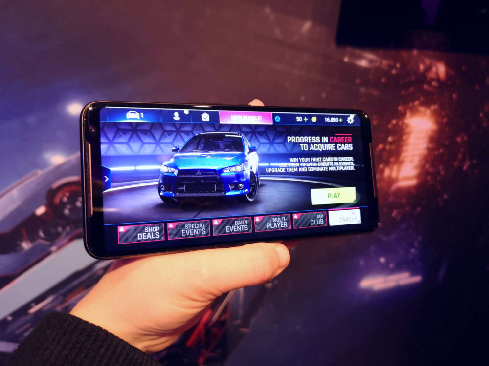 ROG Phone 2 in gaming mode